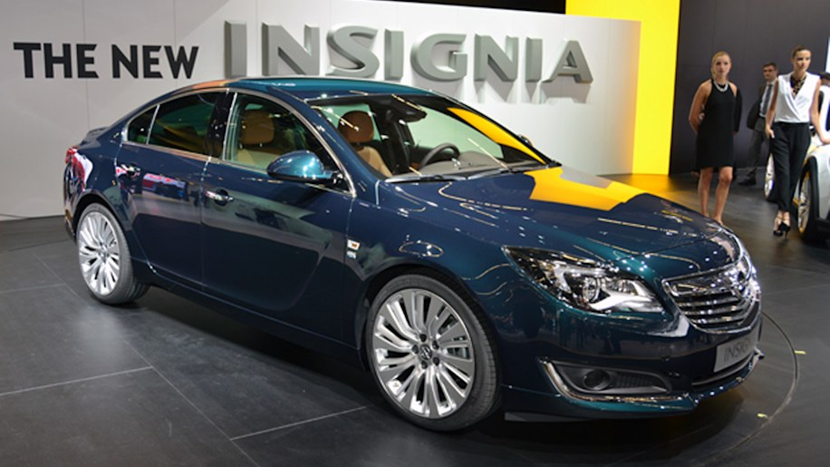 opel insignia opc sports tourer shows its fresh face ahead