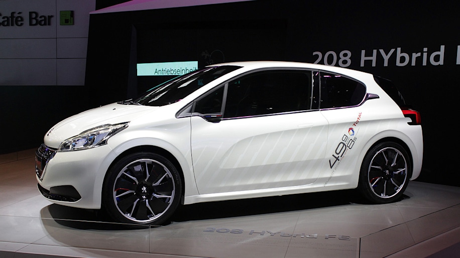 peugeot 208 hybrid fe concept improves mpg numbers to 118 mpg