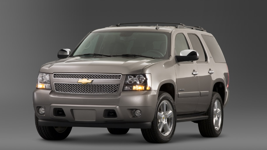 chevy tahoe ltz gets 6 2l v8 autoblog. Black Bedroom Furniture Sets. Home Design Ideas