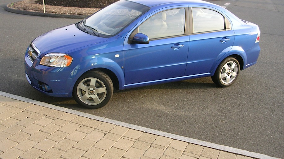 gm recalls 218 000 chevy aveo models over fire prone. Black Bedroom Furniture Sets. Home Design Ideas