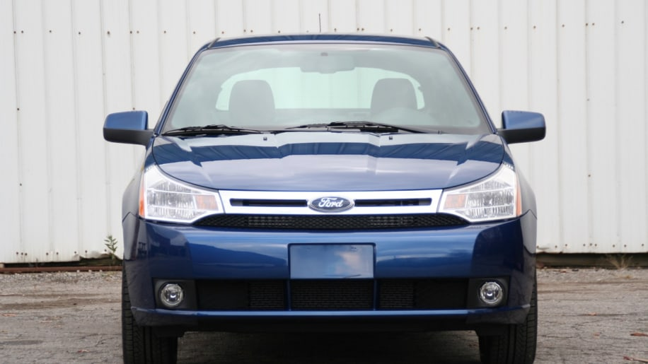 It has a nice personality ford boosts focus production by for Garage ford nice