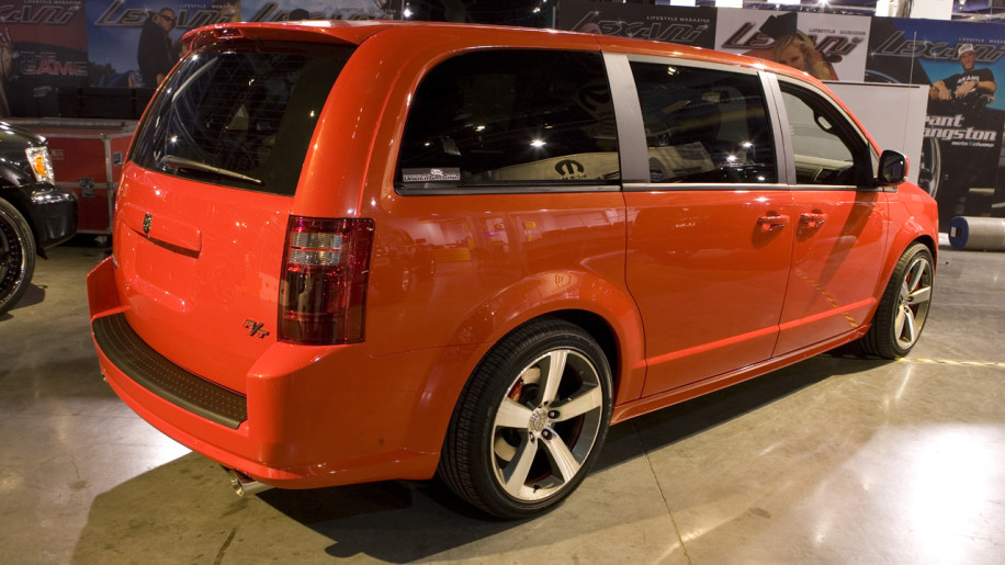dodge caravan r t concept photo gallery autoblog. Black Bedroom Furniture Sets. Home Design Ideas