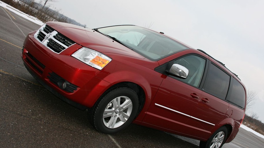 000008dodgecaravan_garage chrysler recalls 285k 2008 2009 minivans over fire risk autoblog  at panicattacktreatment.co