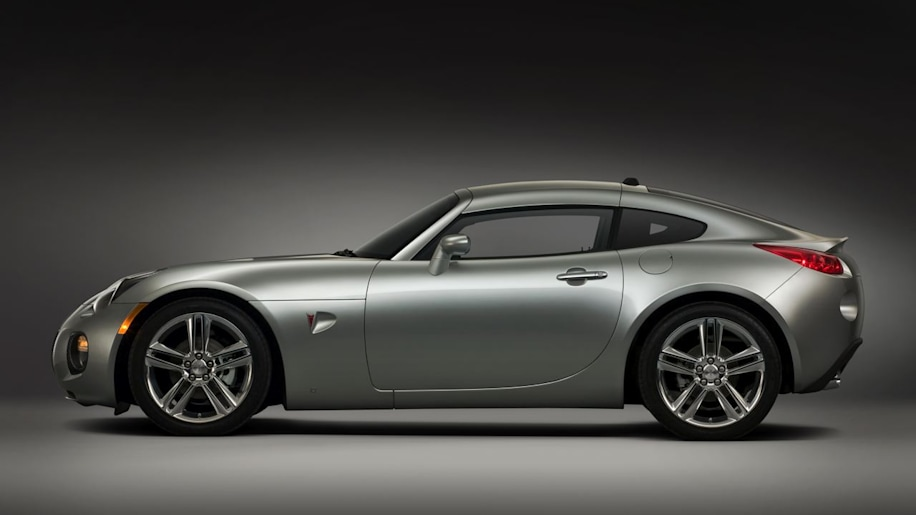 Pontiac Solstice and Saturn Sky could live on with different