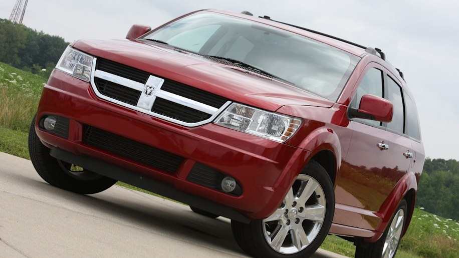 dodge recalls 65 000 journey cuvs and 56 000 ram 1500. Black Bedroom Furniture Sets. Home Design Ideas