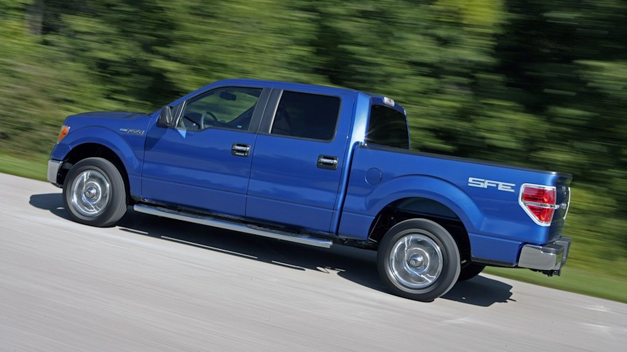 2009 ford f 150 keeps max towing crown adds fuel. Black Bedroom Furniture Sets. Home Design Ideas