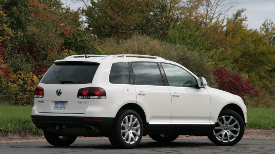 review 2008 volkswagen touareg v10 tdi photo gallery autoblog. Black Bedroom Furniture Sets. Home Design Ideas