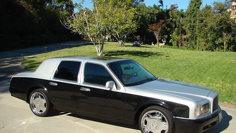 lincoln town car nage photo gallery autoblog. Black Bedroom Furniture Sets. Home Design Ideas
