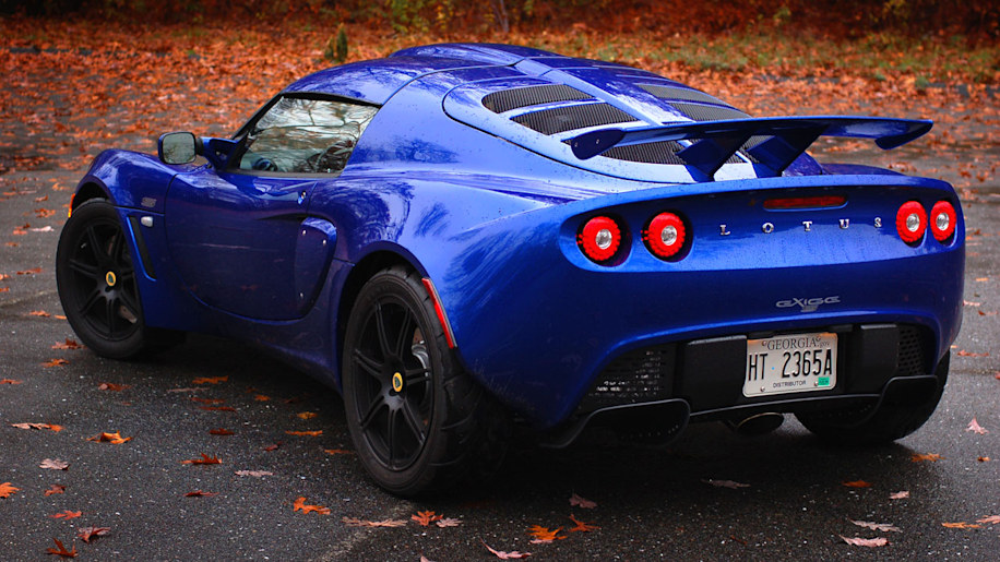 review lotus exige s240 photo gallery autoblog. Black Bedroom Furniture Sets. Home Design Ideas