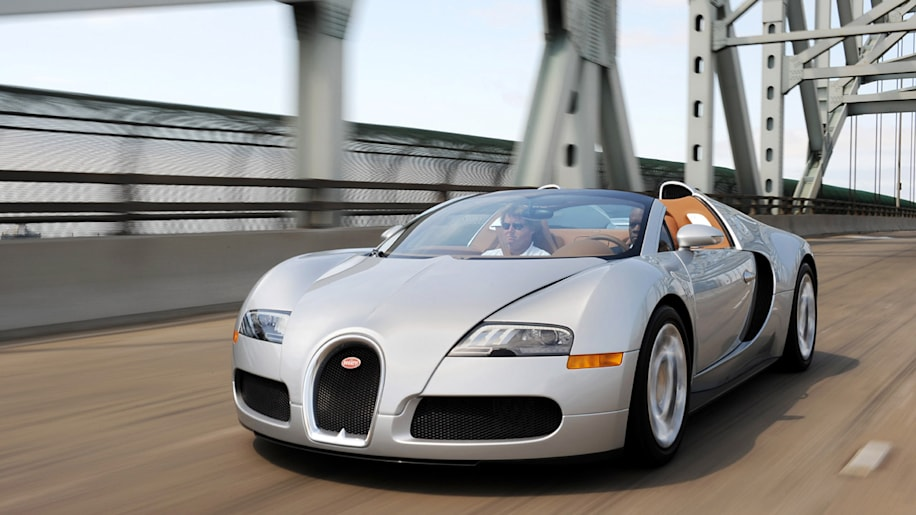 bugatti veyron operating costs so expensive it 39 s cheaper to use a private jet autoblog. Black Bedroom Furniture Sets. Home Design Ideas
