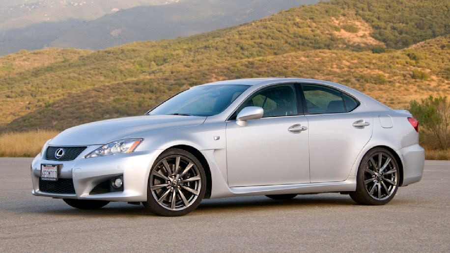 review 2009 lexus is f pursues perfection might need more personality autoblog. Black Bedroom Furniture Sets. Home Design Ideas