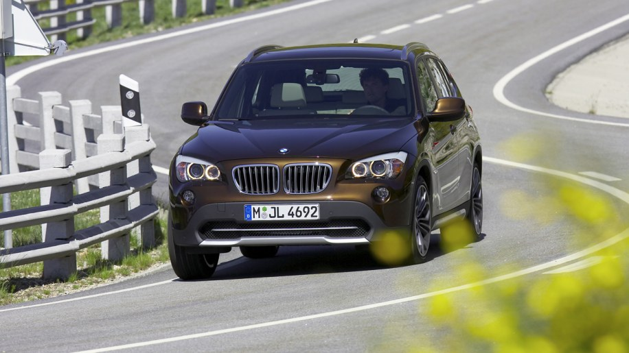 report bmw x1 u s debut delayed due to high demand in europe autoblog. Black Bedroom Furniture Sets. Home Design Ideas