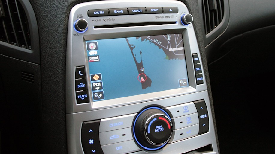 road trip review 2010 hyundai genesis coupe with navigation w video autoblog. Black Bedroom Furniture Sets. Home Design Ideas