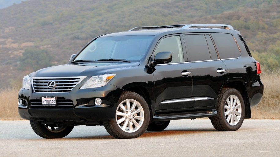 review 2009 lexus lx570 is three tons of luxury with a. Black Bedroom Furniture Sets. Home Design Ideas