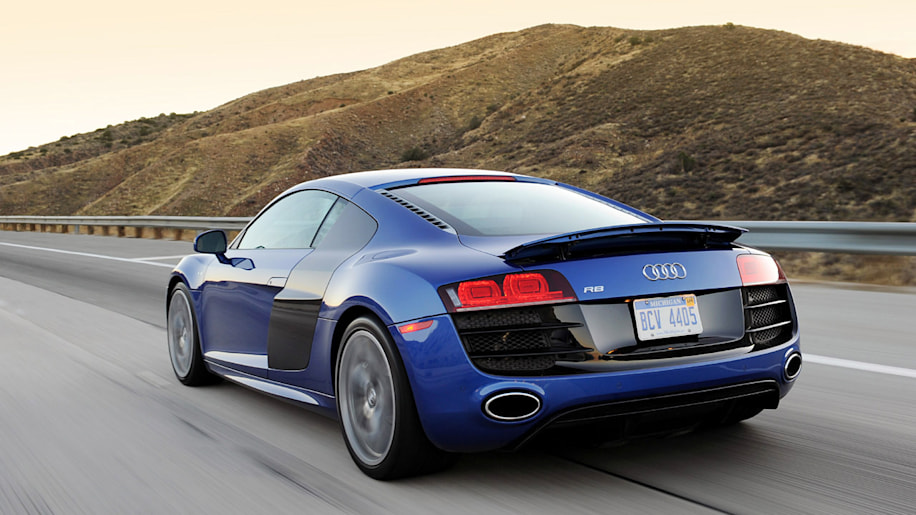 review 2010 audi r8 5 2 fsi v10 reminds us we 39 re in the. Black Bedroom Furniture Sets. Home Design Ideas