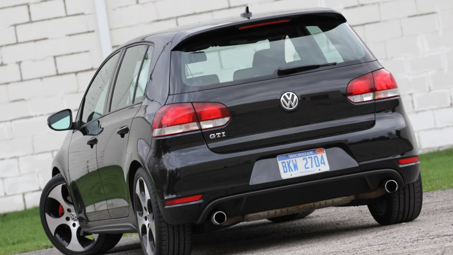 Review 2010 Volkswagen GTI  Its got its mojo workin again