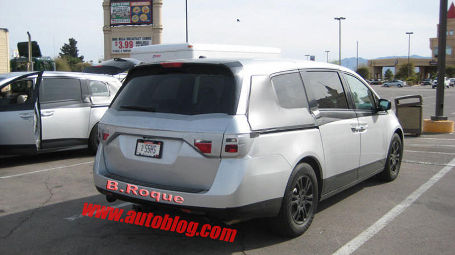 spy shots 2011 honda odyssey aug 8 2013 photo gallery autoblog. Black Bedroom Furniture Sets. Home Design Ideas