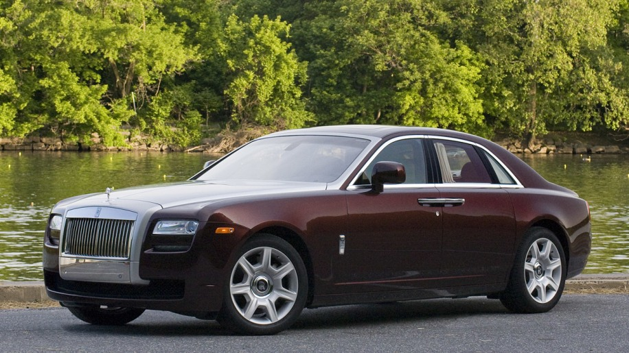 first drive 2010 rolls royce ghost photo gallery autoblog. Black Bedroom Furniture Sets. Home Design Ideas