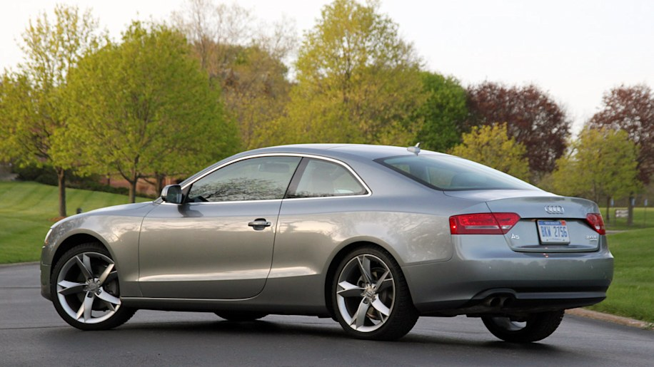 review 2010 audi a5 is a personal luxury coupe for the modern age autoblog. Black Bedroom Furniture Sets. Home Design Ideas