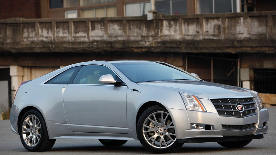 review 2011 cadillac cts coupe photo gallery autoblog. Black Bedroom Furniture Sets. Home Design Ideas