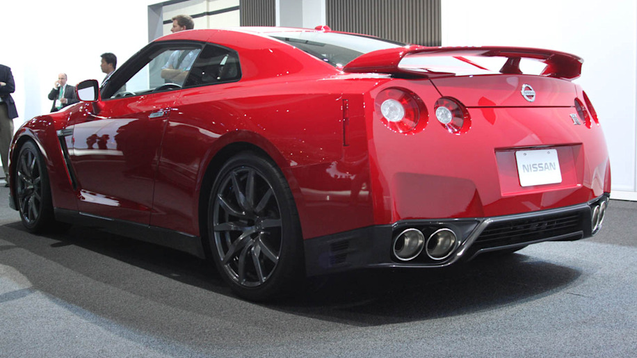 2012 Nissan GTR officially goes 060 in 29 seconds  Autoblog