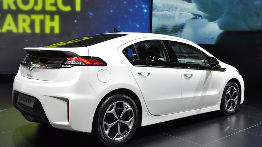 Chevy Volt And Opel Ampera Named 2012 European Car Of The