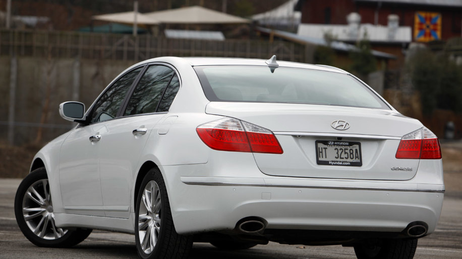 image spec sedan front hyundai lookalike mercedes r review affordable an genesis autos