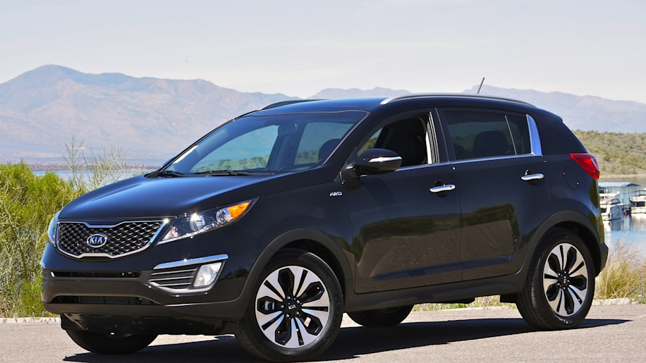 first drive 2011 kia sportage sx autoblog. Black Bedroom Furniture Sets. Home Design Ideas