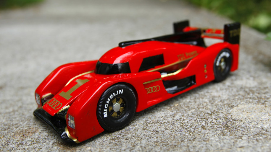 Pinewood derby audi r18 photo gallery autoblog for Pinewood derby lamborghini
