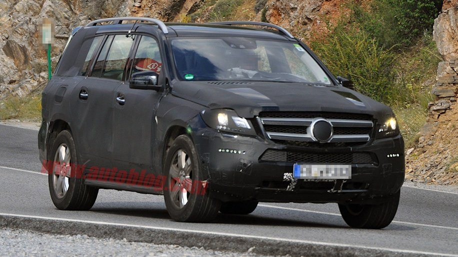 Mercedes-Benz GL: Spy Shots