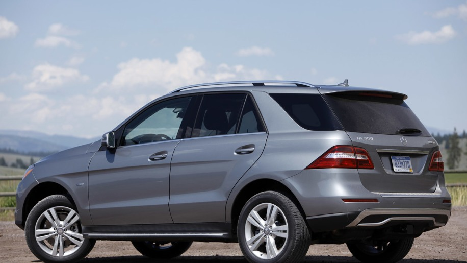 2012 mercedes benz ml350 bluetec 4matic first drive photo gallery autoblog. Black Bedroom Furniture Sets. Home Design Ideas
