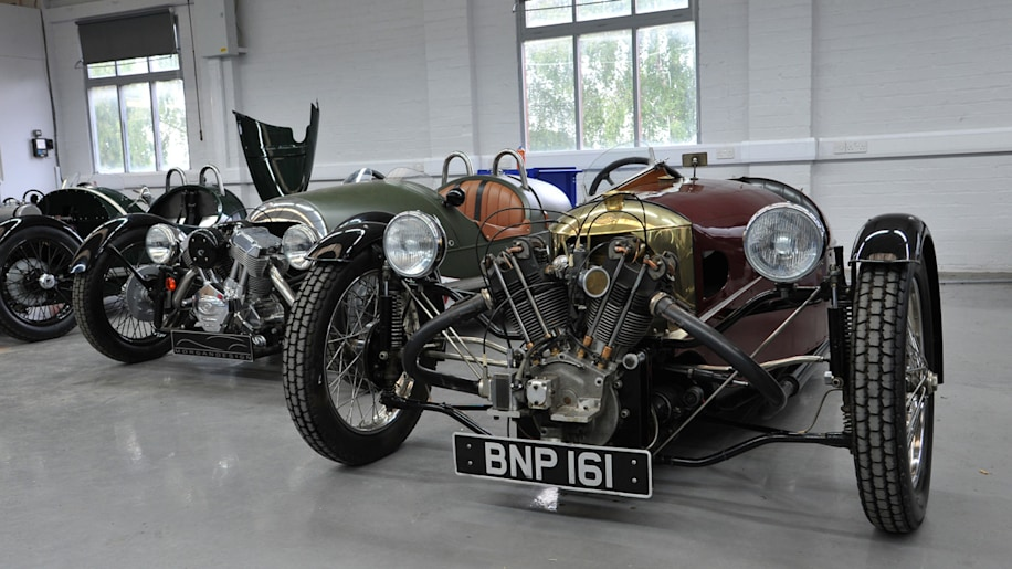 2012 morgan 3 wheeler first drive photo gallery autoblog. Black Bedroom Furniture Sets. Home Design Ideas