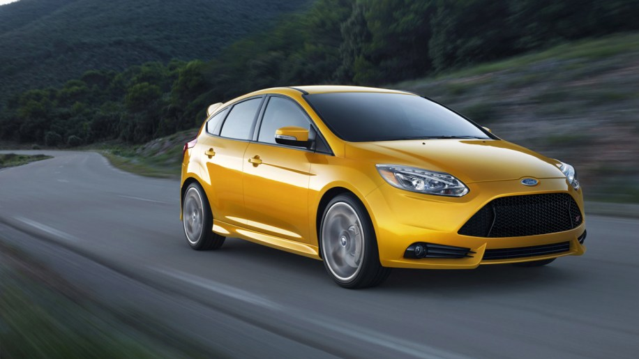 2012 ford focus st photo gallery autoblog. Black Bedroom Furniture Sets. Home Design Ideas
