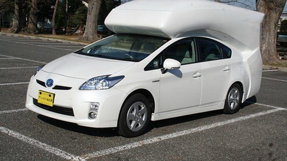 toyota prius camper conversion has us charging for the woods autoblog. Black Bedroom Furniture Sets. Home Design Ideas