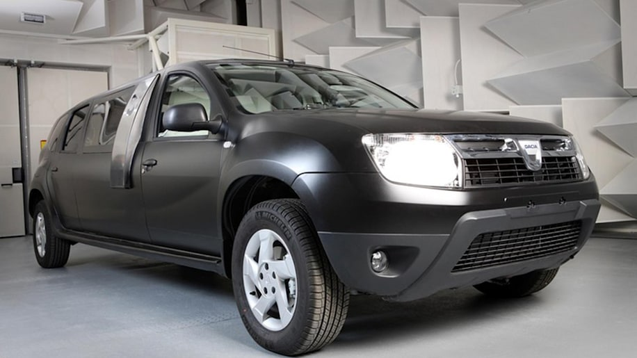 dacia duster limousine an ambitious student project w. Black Bedroom Furniture Sets. Home Design Ideas