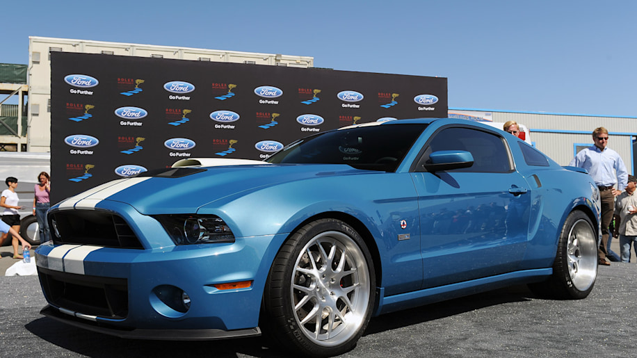One-off 2013 Shelby GT500 Cobra debuts as tribute to Carroll - Autoblog