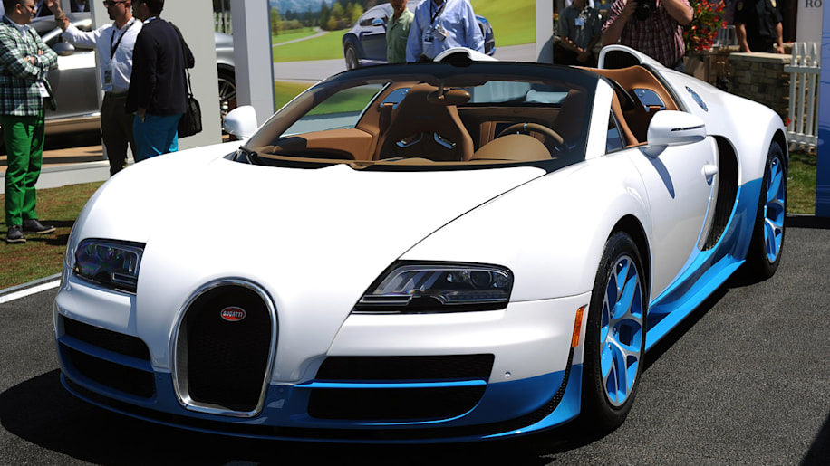 bugatti veyron 16 4 grand sport vitesse is the same bug with new paint autoblog. Black Bedroom Furniture Sets. Home Design Ideas