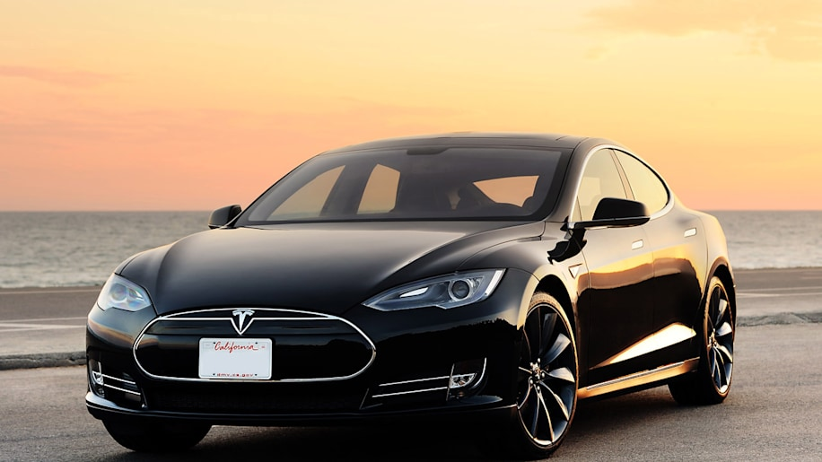 Tesla to introduce all-wheel-drive Model S in 2014?