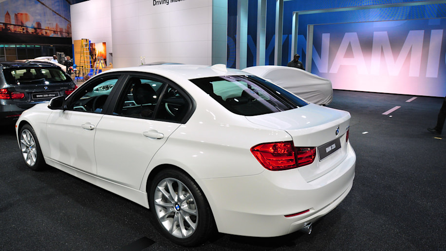 BMW adds new entrylevel 320i model priced from 33445  Autoblog