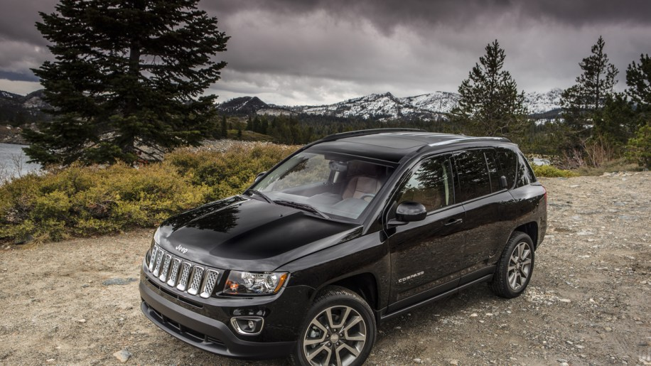 2014 jeep compass photo gallery autoblog. Black Bedroom Furniture Sets. Home Design Ideas