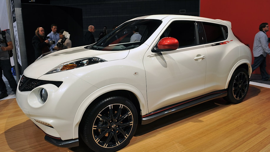 2013 nissan juke nismo is the runabout we 39 ve always wanted. Black Bedroom Furniture Sets. Home Design Ideas