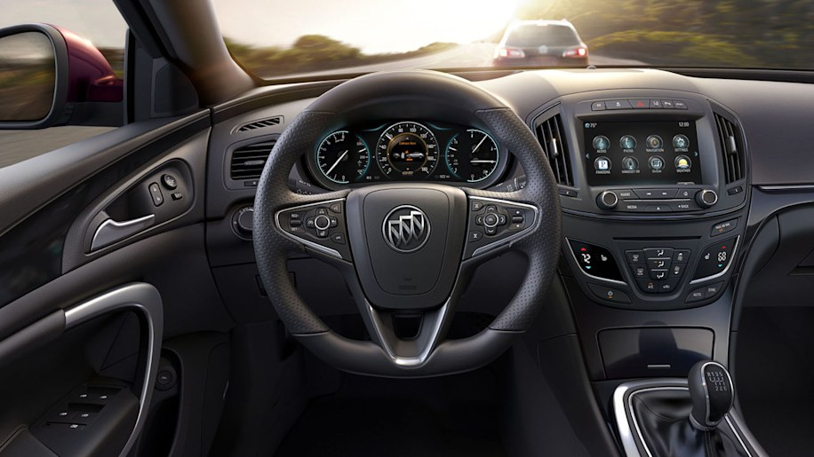 Restyled 2014 Buick Regal Adds Awd Regal Gs Loses Power