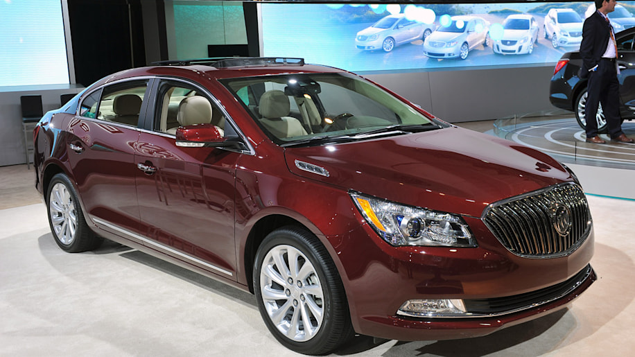2014 buick lacrosse steps up to the big leagues with. Black Bedroom Furniture Sets. Home Design Ideas