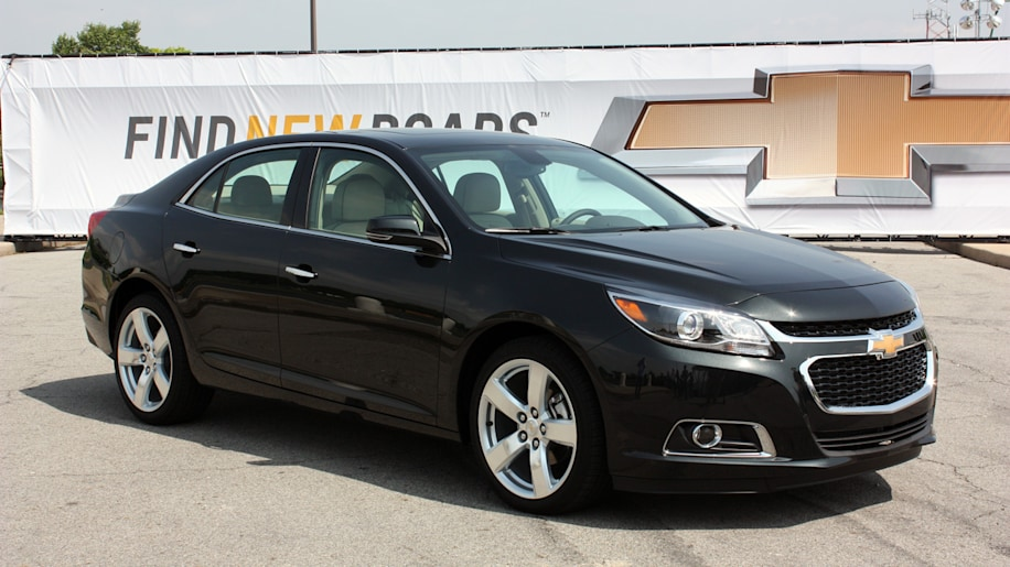 base 2014 chevy malibu to get same fuel economy as eco model autoblog. Black Bedroom Furniture Sets. Home Design Ideas