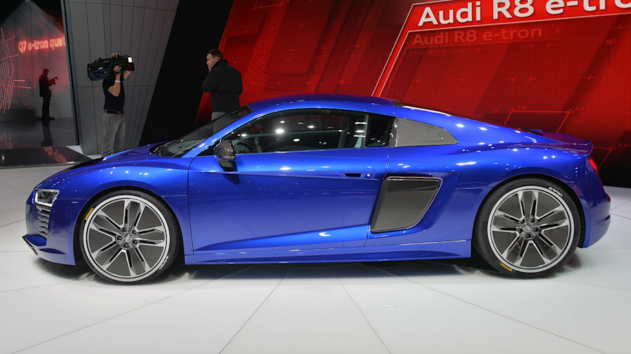 2016 Audi R8 E Tron Packs 456 Hp And Goes On Sale This