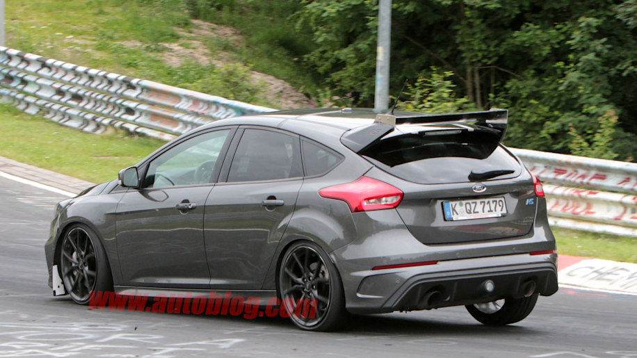 ford focus rs500 spy shots photo gallery autoblog. Black Bedroom Furniture Sets. Home Design Ideas