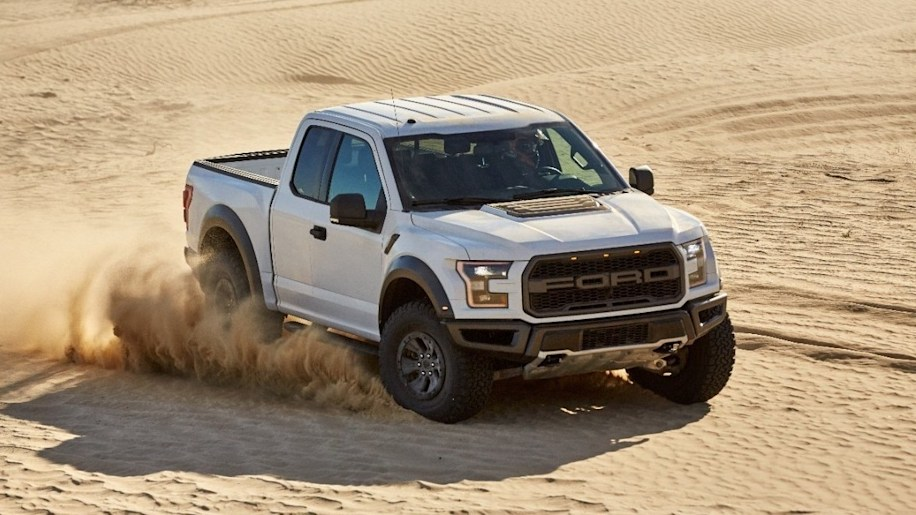 2017 Ford F-150 Raptor Front Exterior