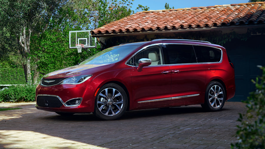 2017 Chrysler Pacifica road trip games