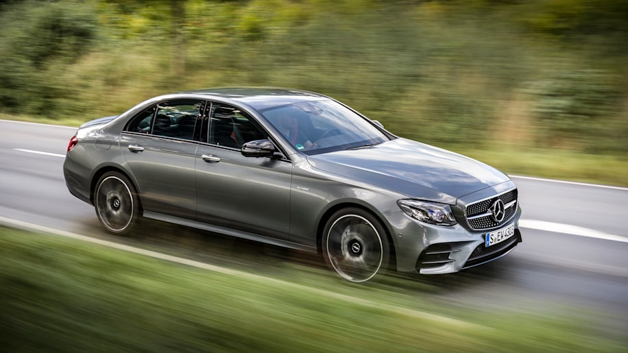 2017 Mercedes-Benz E43 lead