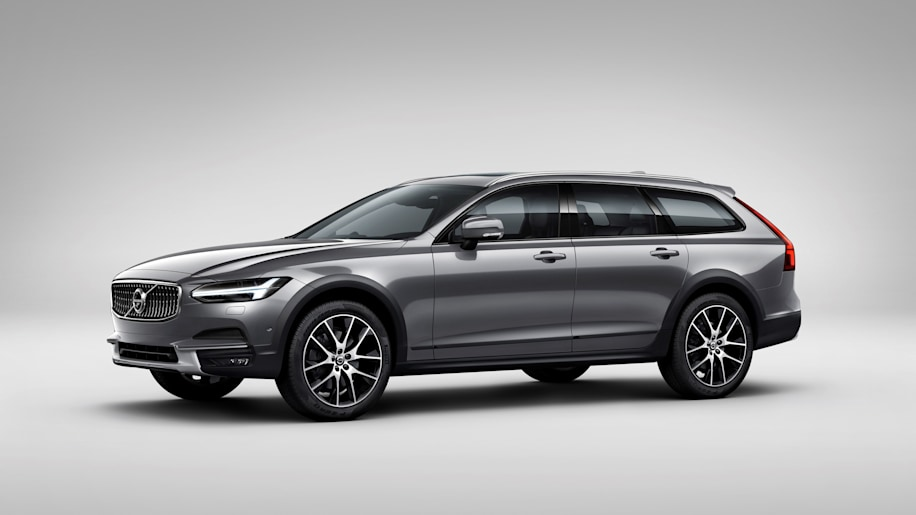 2017 Volvo V90 Cross Country Three Quarter Front End Exterior